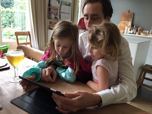 Phil met kids testen eerste versie boekje